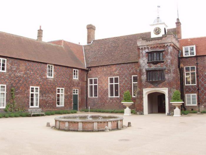 Fulham: Area of southwest London, England