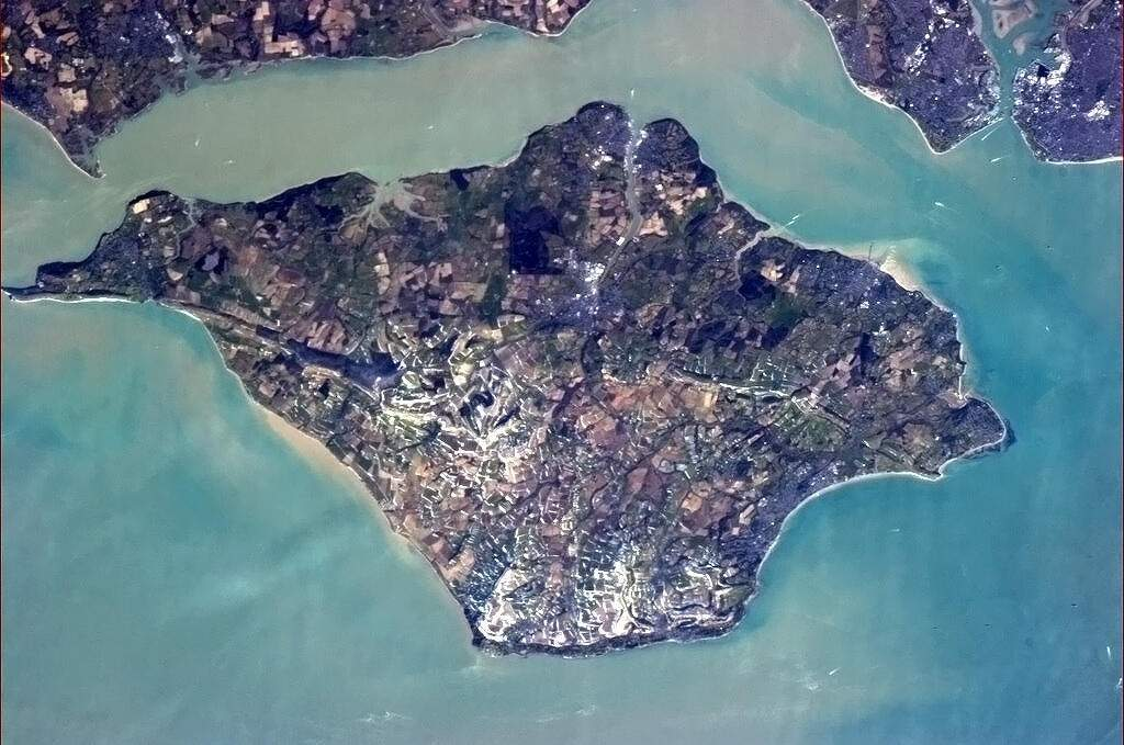 Isle of Wight: County and island of England