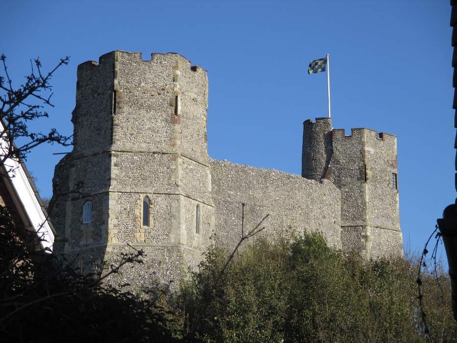 Lewes Castle: Grade I listed ruins in Lewes, United Kingdom